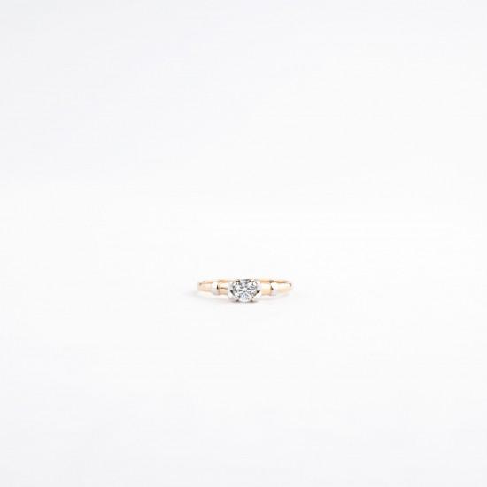 Auksinis žiedas su fianito akute